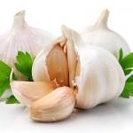 Bijeli luk za zdravije srce, samo jedan čen dnevno i nema sekirancije