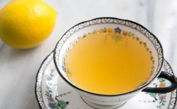 limunov sok i mlaka voda s medom