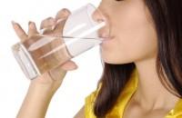 čaša tople vode