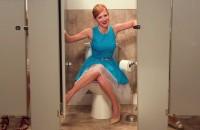 žena u wc