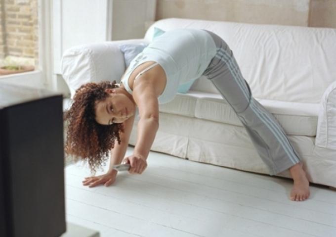 vježbe uz tv, evo kako ih vježbati