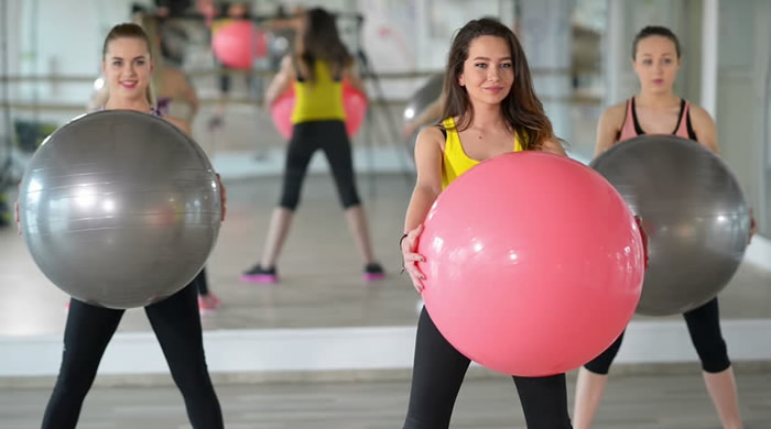 Vježbanje sa pilates loptom pokreće sve mišiće